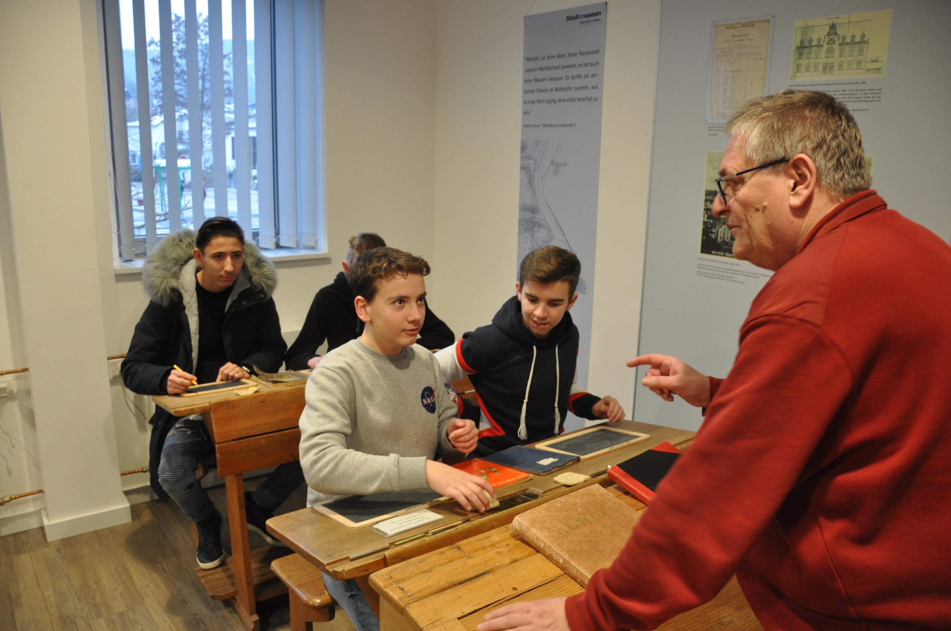 Albert-Einstein Gesamtschule und Heimat-und Geschichtsverein kooperieren